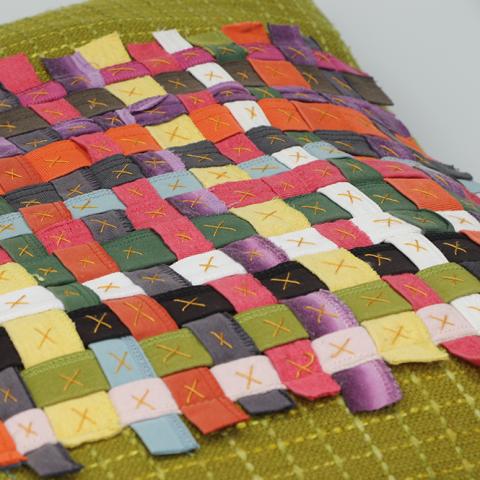 Hem_Colors_Cushion_Detail